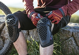 BIONIC PLUS, THE ALPINESTARS PROTECTION RANGE FOR DOWNHILL