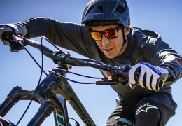 Alpinestars launches the first range of helmets for mountain biking
